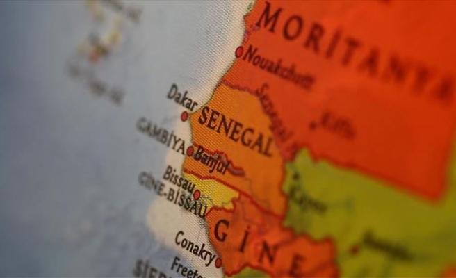 Senegal'de, başörtüsünü yasaklayan Fransız okuluna kapatma uyarısı