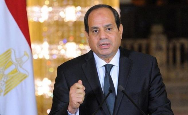 Sisi'nin yolsuzluklarını tüm dünyaya duyurdu