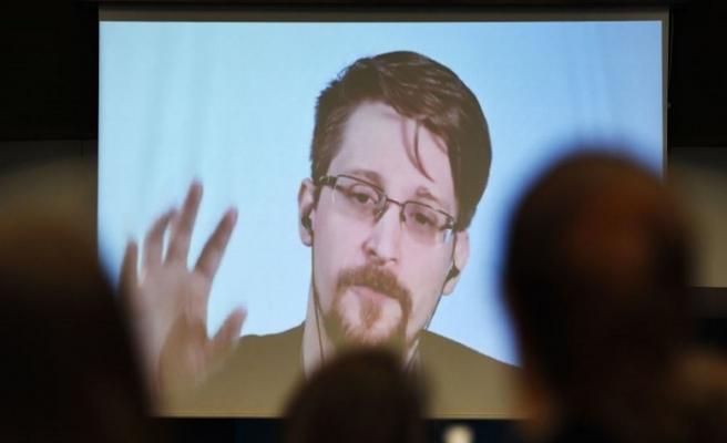 Snowden Fransa'dan sığınma istedi