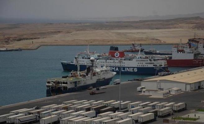 Suudi Arabistan'da bekletilen Türk tırlarının geçişine izin verildi