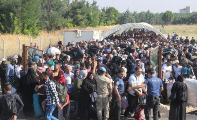 Yaklaşan mülteci akını panikletti: Avrupa etten duvar örecek