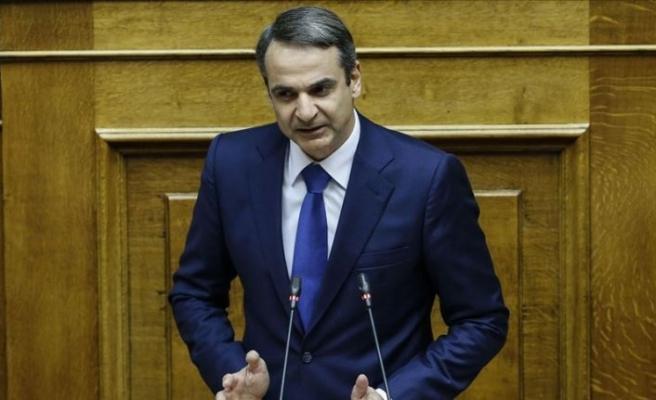 Yunanistan Başbakanı Miçotakis kemer sıkma önlemlerini gevşetiyor