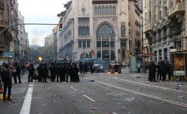 Katalanların gösterisi tüm İspanya'ya yayılıyor