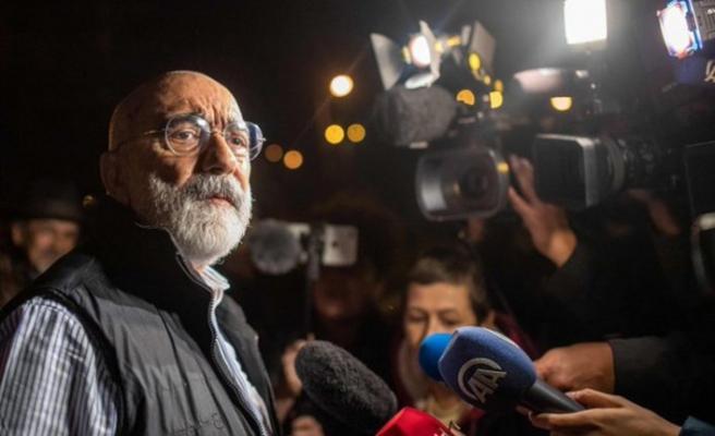 Ahmet Altan yeniden cezaevinde