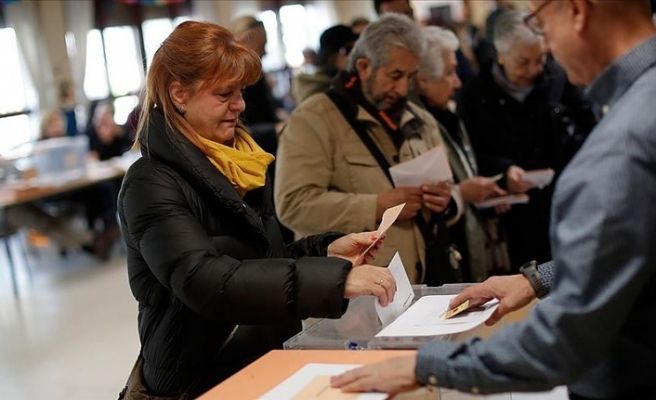 İspanya'da seçim sonuçları hükümet kurulmasını zorlaştırıyor