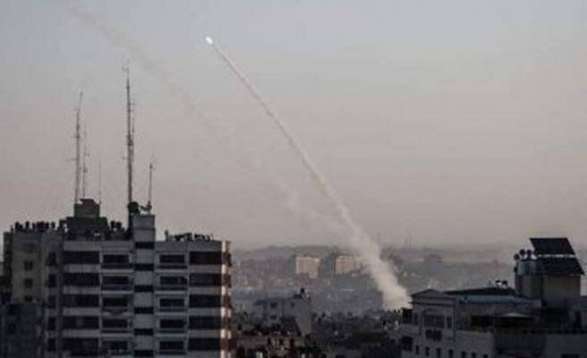 İsrail savaş uçakları Filistin'e hava saldırısı başlattığını ilan etti