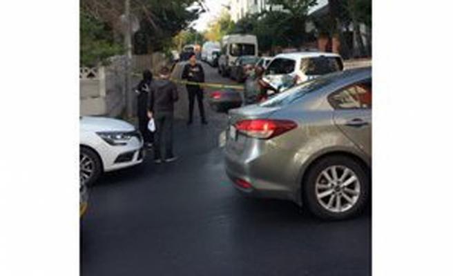 İstanbul'da bir evde 1'i çocuk 3 kişi ölü bulundu... Yine siyanür