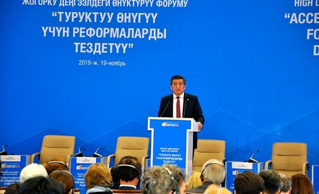 Kırgızistan reformları hızlandırmak için destek arayışında