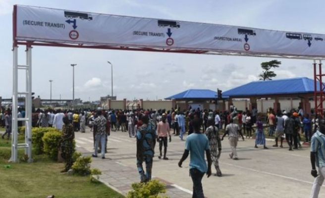 Nijerya'nın sınırlarını kapatması bölge ülkelerinde tepkiyle karşılandı
