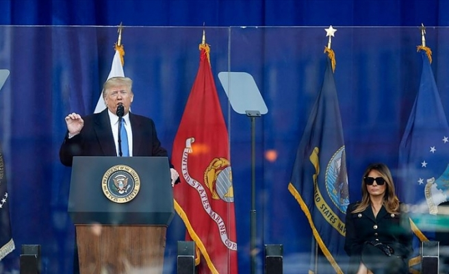 Trump New York'ta Gaziler Günü törenine katıldı