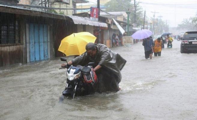 Tayfuna hazırlık: 43 bin kişi tahliye edildi