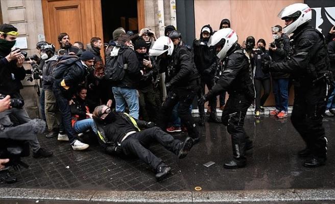 Fransa'da 'emeklilik reformu'na karşı eylemde 16 kişi gözaltına alındı