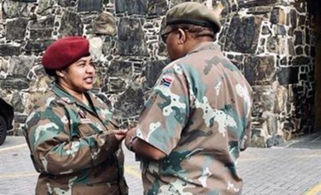 Güney Afrika'da başörtülü askerin zaferi