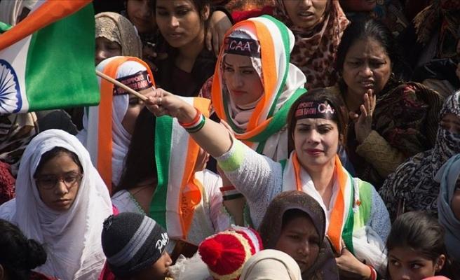 Hindistan'da 'Vatandaşlık Yasası'ndaki Müslümanları dışlayan değişikliğe karşı 620 kilometrelik insan zinciri