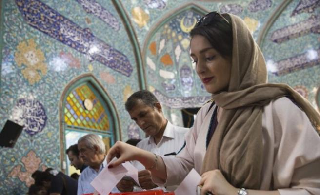 İran'da reformistlere geçit yok