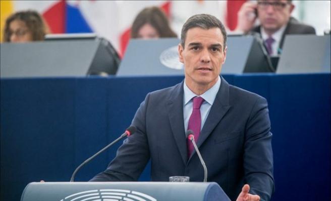 İspanya'da azınlık sol koalisyon hükümeti meclisten güvenoyu aldı