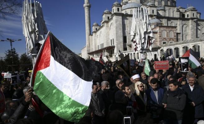 İstanbul'da ABD'nin sözde Orta Doğu barış planı protesto edildi