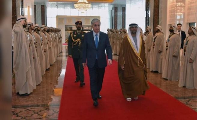 Kazakistan Cumhurbaşkanı BAE'ye resmi ziyarette bulundu