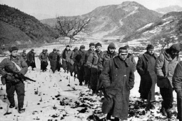 Kore'de esir düşen 244 Türk askerinin öyküsü