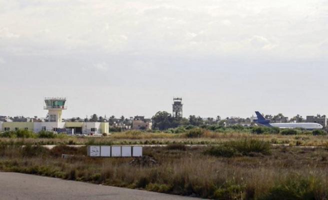 Mitiga Havalimanı'na ilk uçak indi