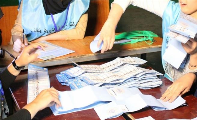 Afganistan'da hileli olduğu iddia edilen 300 bin oy incelenecek