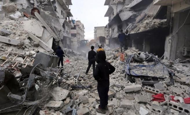 İdlib'de güvenli yer kalmadı. Her yere bomba düşüyor