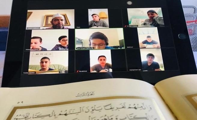 Almanya'da Kur'an kursu öğrencileri için uzaktan eğitim
