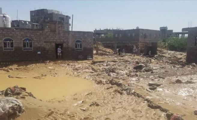 Yemen'de sel felaketi 2 binden fazla göçmeni etkiledi