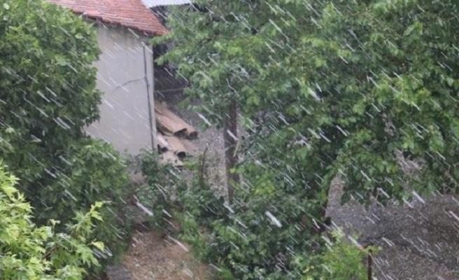 2020 Mayıs sonu.. Diyarbakır'da dolu yağdı