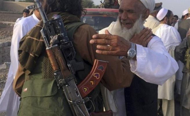 Afganistan'da 900 Taliban üyesi serbest bırakıldı