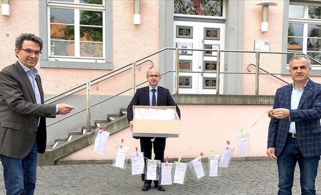 Almanya'da DİTİB camisinden belediyeye maske bağışı