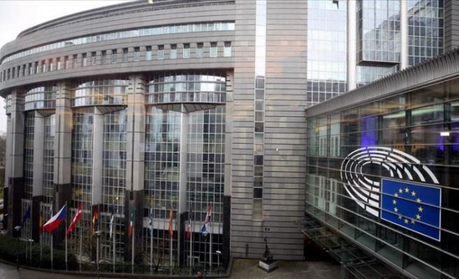 Avrupa Parlamentosu'ndan 2 trilyon avroluk kurtarma paketi çağrısı