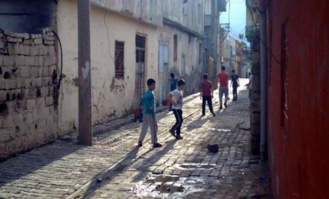 Çocuklar haftalar sonra sokaklarda