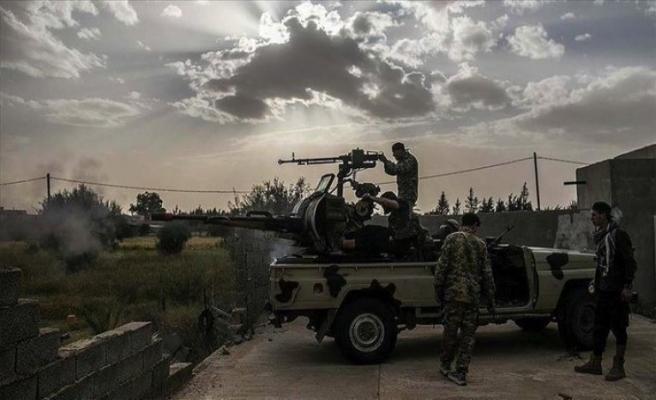 Vatiyye üssünü kaybeden Hafter'den sivil yerleşimlere saldırı