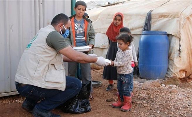 İHH İdlib'de her gün 2 bin 500 kişiye iftar veriyor