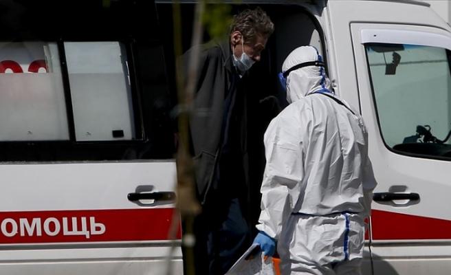 İngiltere'de Kovid-19 nedeniyle ölümler 34 bin sınırına dayandı