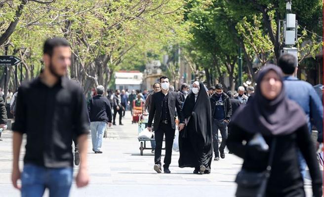 İran koronavirüs kısıtlamalarını bayramdan sonra kaldırıyor