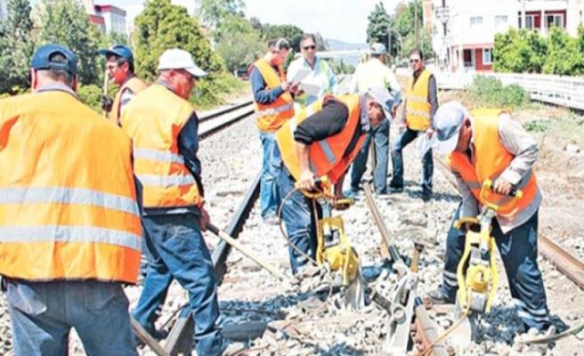 Kamu işçilerinin 13 günlük ilave tediyeleri bugün ödeniyor