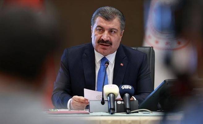 Sağlık Bakanı Koca: Tedbirlere uyarsak yeni vaka sayımız yakında günde 1000'den daha az olacak