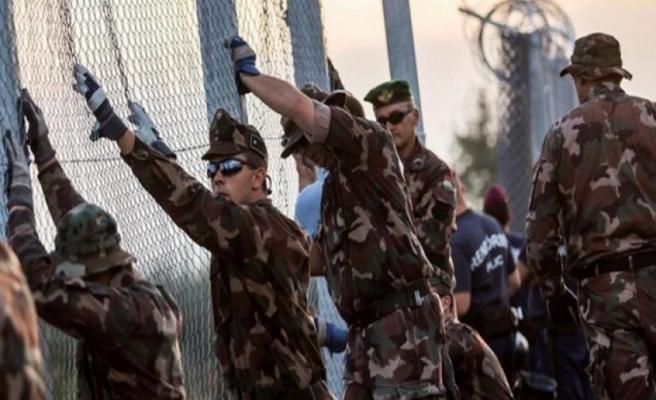 Yunanistan korku pompalıyor, Türkiye sınırına 400 polis gönderdi