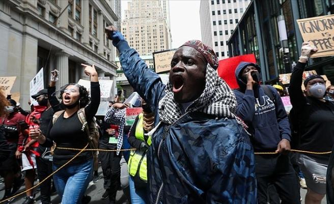 ABD'de beyazlarla siyahlar arasındaki sosyal adaletsizlik tartışılıyor