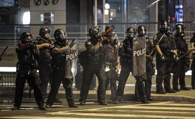 ABD'nin başkenti Washington'da gösteriler nedeniyle sokağa çıkma yasağı başladı