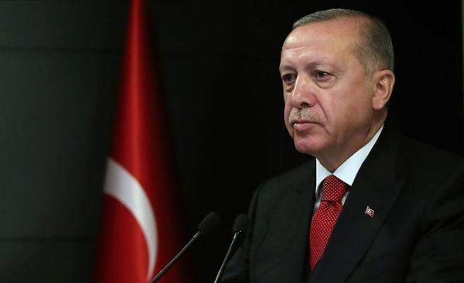 Cumhurbaşkanı Erdoğan İngiltere'de operasyonla ayrılan siyam ikizlerinin ailesiyle görüştü