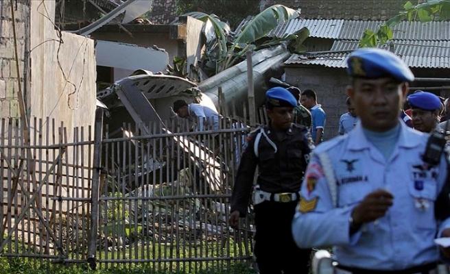 Endonezya'da askeri helikopter düştü: 4 ölü, 5 yaralı