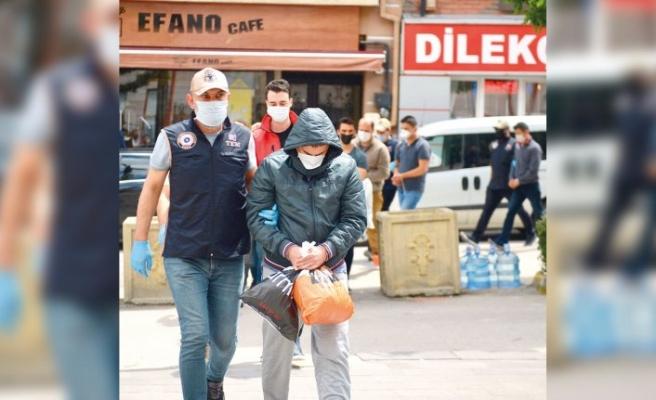 FETÖ'ye 15 günde büyük darbe: 337 kişi halen görevdeydi
