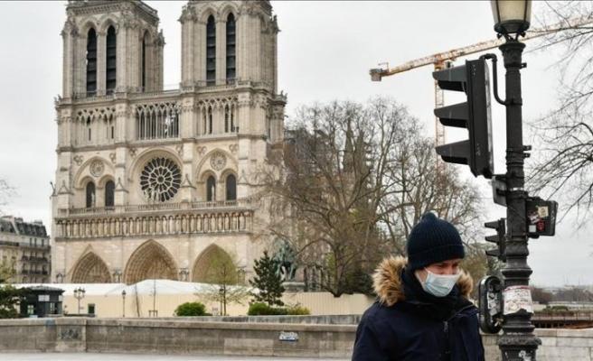Fransa'da yoğun bakımda bulunanların sayısı iki aydır düşüyor