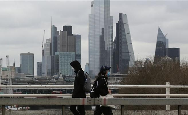 İngiltere'de 'karantina düzenlemesi' yargıya taşınıyor