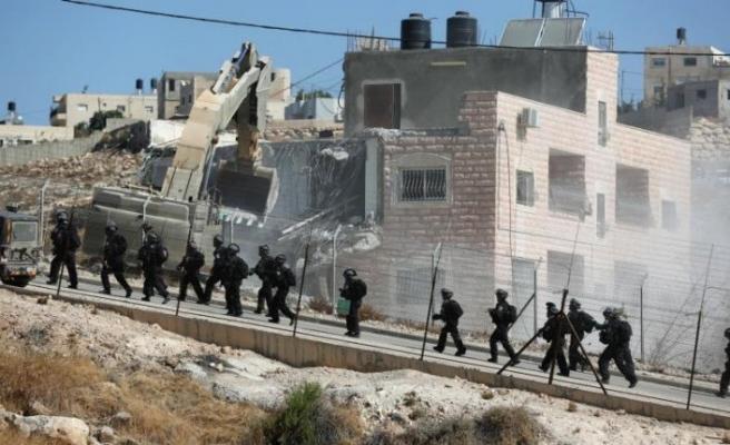İsrail Kudüs'te Filistinlilere ait evleri yıkmaya devam ediyor