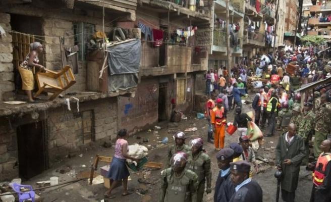 Kenya'da evleri yıkılan 8 bin kişi sokakta kaldı