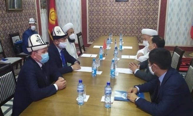 Kırgızistan ve Özbekistan Müftüleri Batken'de Buluştu